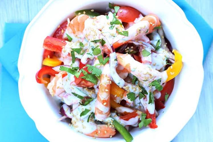 Salade de crevettes et légumes croquants à la crème de coco