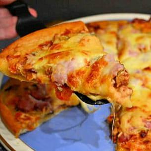 pizza tomates séchées, jambon, mozzarella