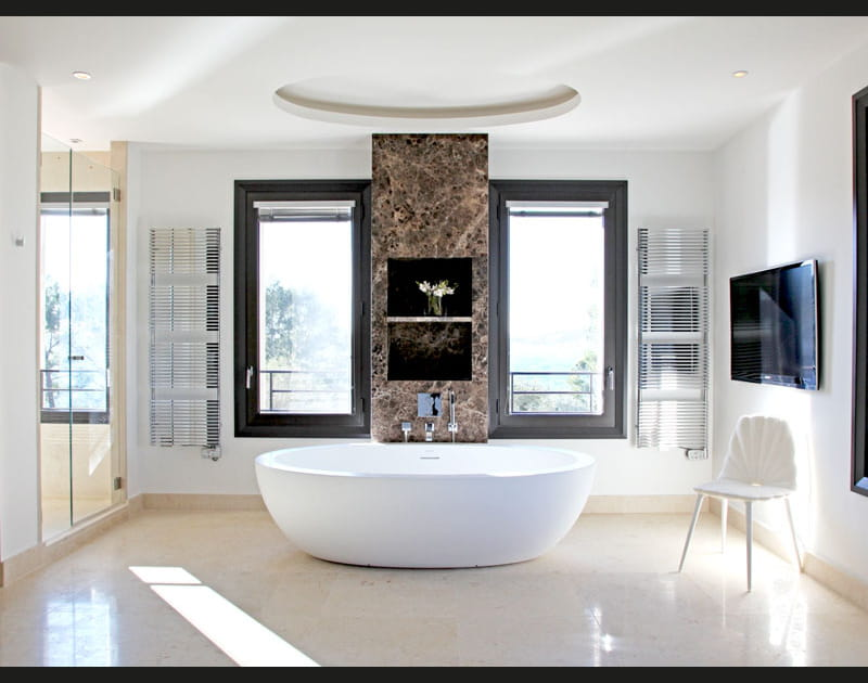 Rondeurs en salle de bains