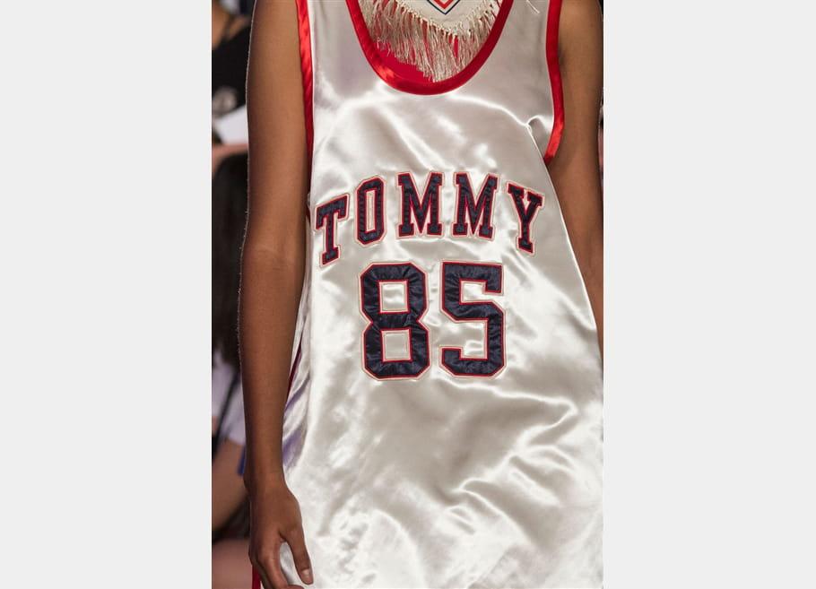 Tommy Hilfiger (Close Up) - photo 34