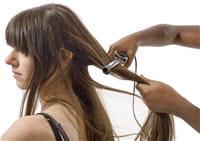 la chaleur du fer à lisser doit être adaptée au type de cheveux pour ne pas les