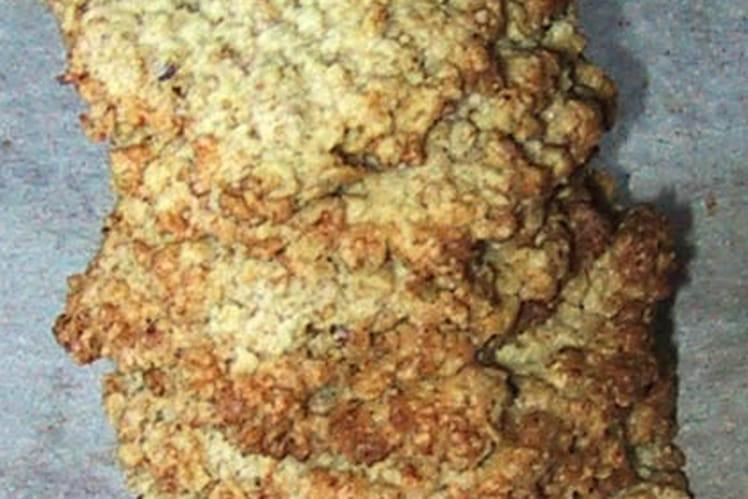 Crunchy almond biscuits