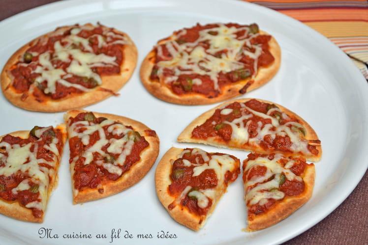 Petites pizzas à la puttanesca