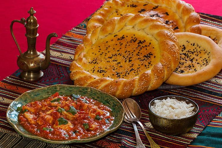 Naan Roghan Bread (Afghanistan) et poulet Tikka massala