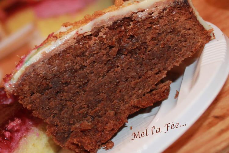 Gâteau praliné craquant et chocolat