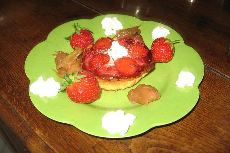 Tartelettes à la rhubarbe et aux fraises