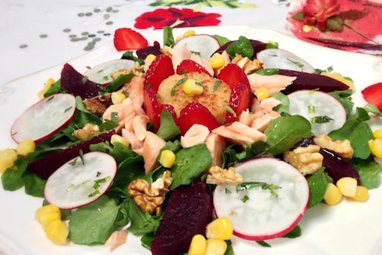 Salade de cresson au saumon, aux fraises et au chèvre chaud