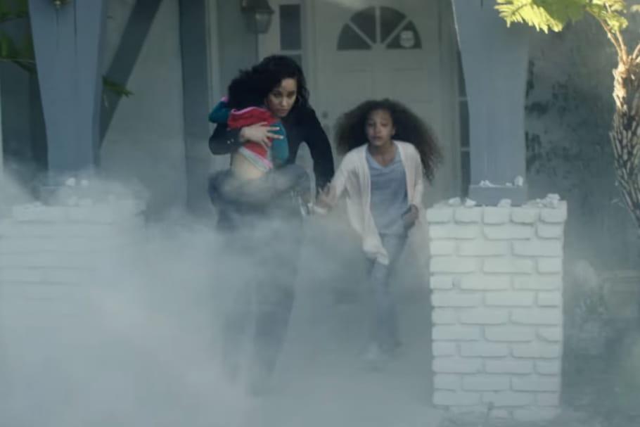 Alicia Keys joue les réfugiées pour sensibiliser à la crise migratoire [VIDEO]