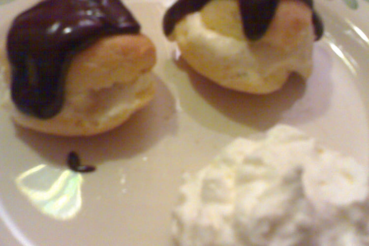 Profiteroles chocolat-vanille