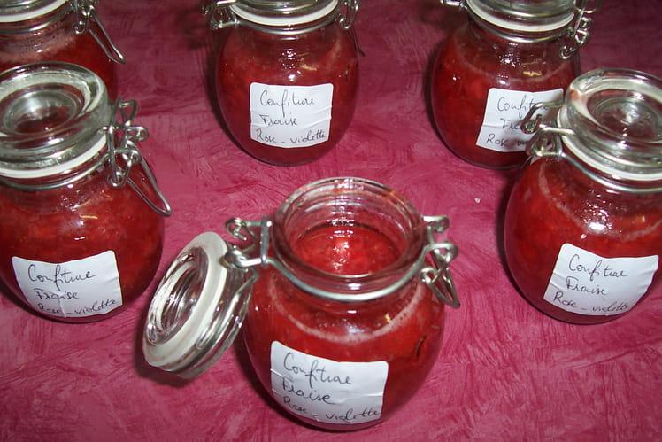 Confiture de fraise, rose et violette