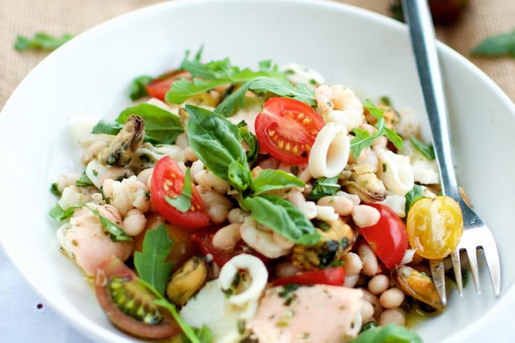 recette de salade de haricots blancs et fruits de mer l 39 italienne la recette facile. Black Bedroom Furniture Sets. Home Design Ideas