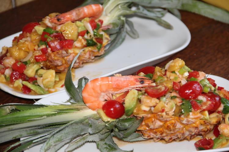 Salade thaïlandaise à l'ananas et crevettes, yam pla goong