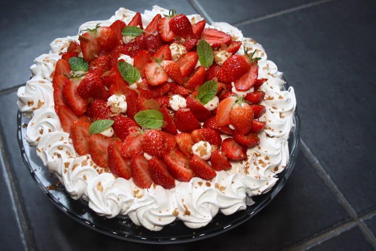 Pavlova chantilly et fraises