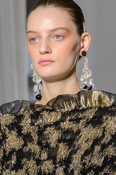 Mila Schon (Close Up) - photo 2