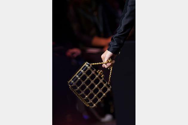 Le petit sac minaudière du défilé Elie Saab