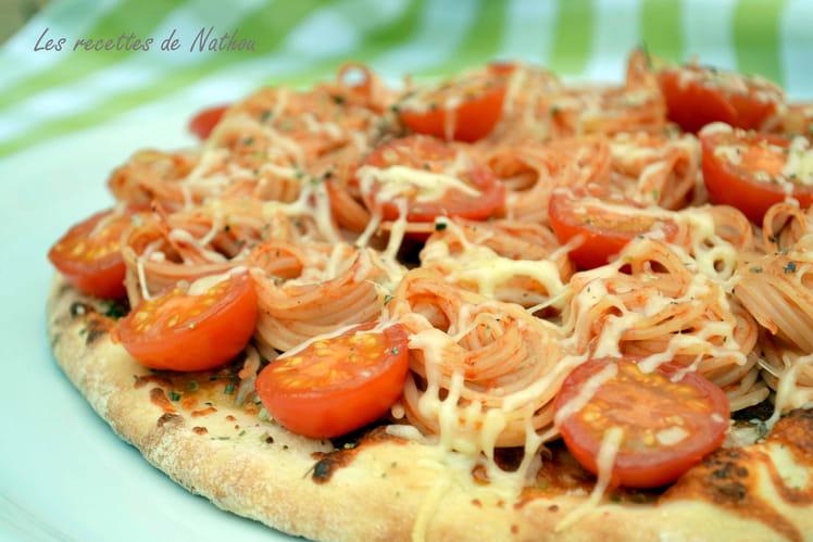 Pizza aux spaghetti