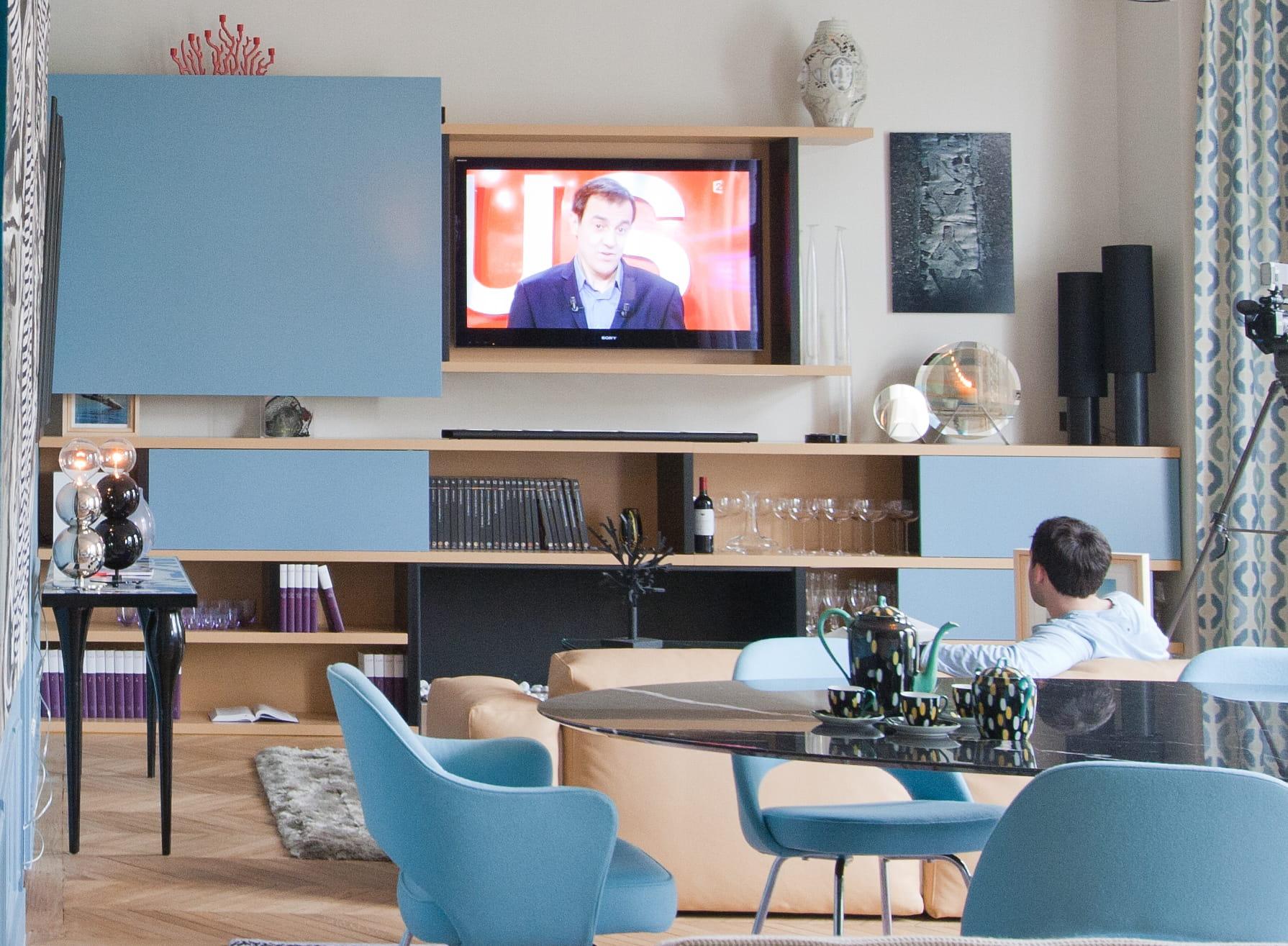 A Quelle Hauteur Mettre Une Tele Au Mur comment aménager son coin télé ?