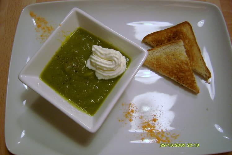 Soupe verte aux poivrons