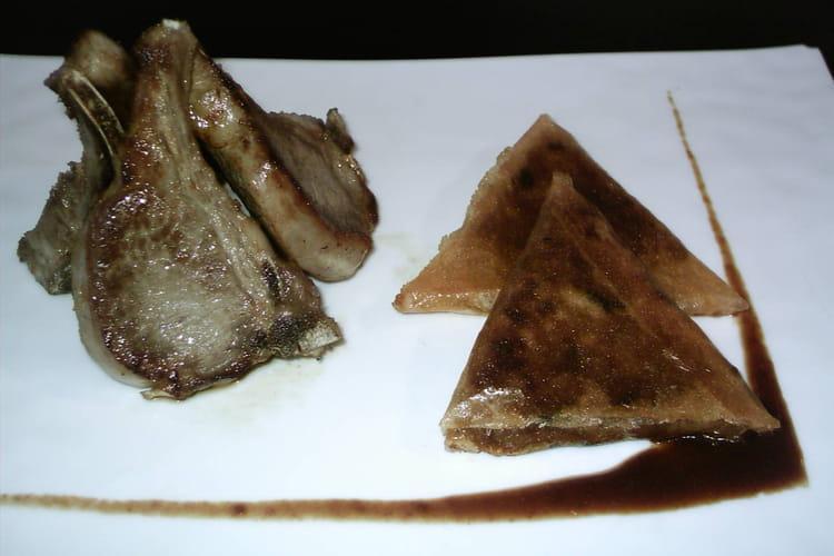 Côtes d'agneau et pissaladière en samoussa