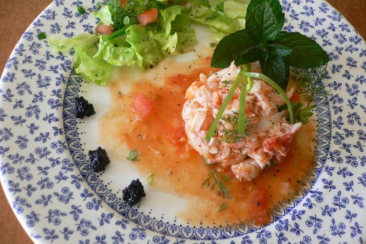 Salade de crabe en vinaigrette de tomates