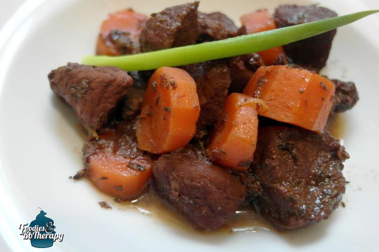 Porc mijoté au vin rouge