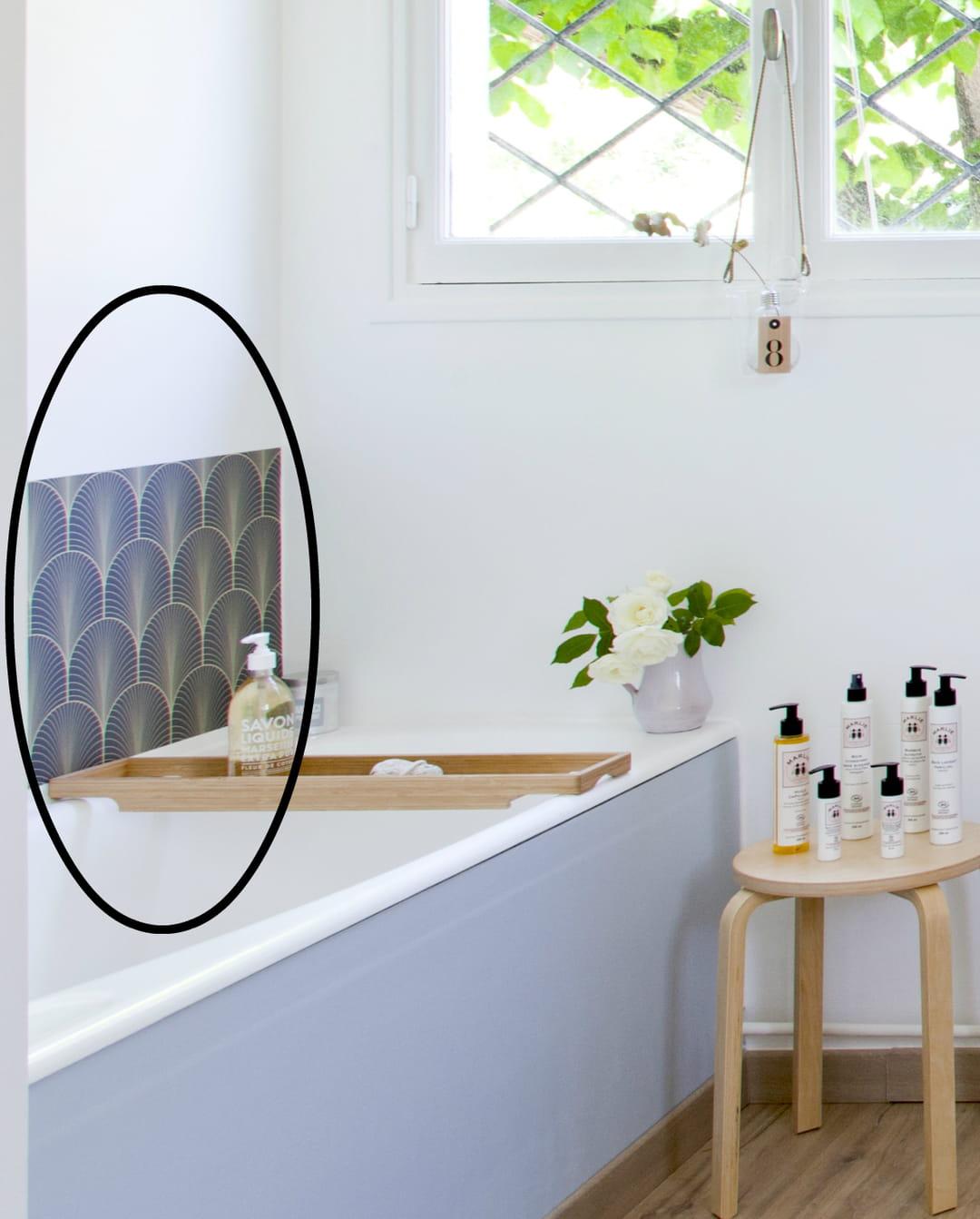 le-papier-peint-adhesif-credence-baignoire