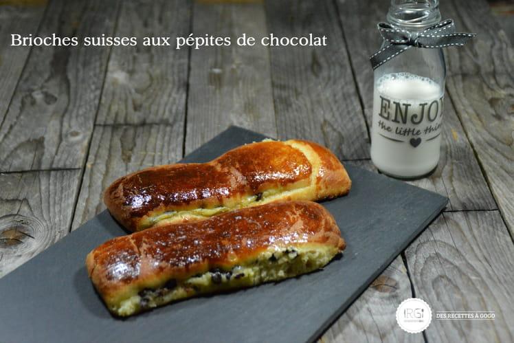 Brioches suisses aux pépites de chocolat