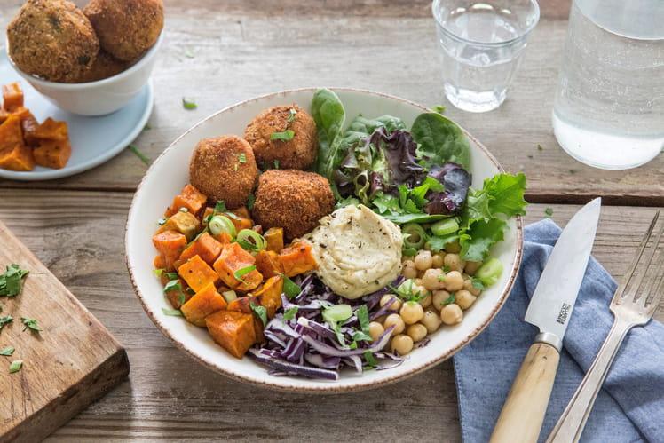 Bowl libanais aux falafels de maquereaux aux aubergines