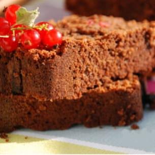 cake fondant au chocolat et aux groseilles