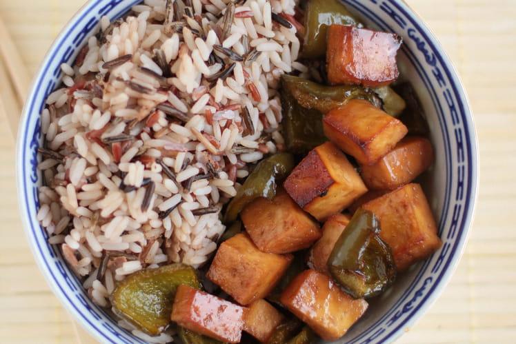 Tofu et poivrons marinés au miel