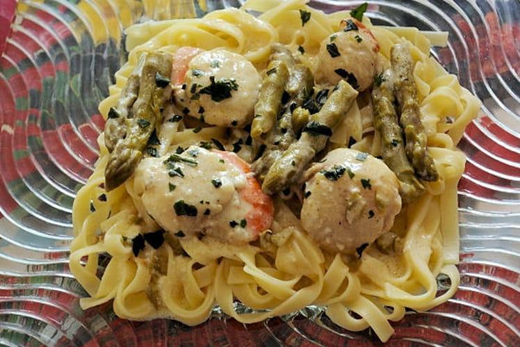 Recette de tagliatelles aux saint jacques et pointes d 39 asperges vertes la recette facile - Cuisiner les asperges vertes ...
