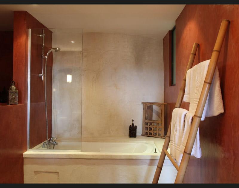 Salle de bains zen et exotique
