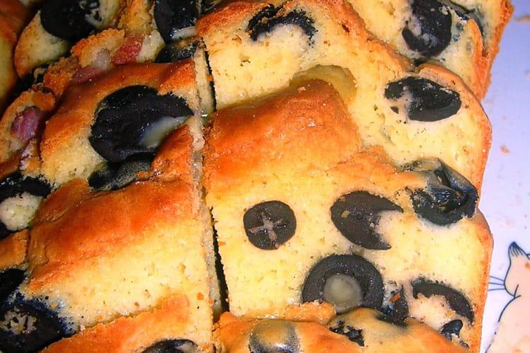 Cake aux olives noires