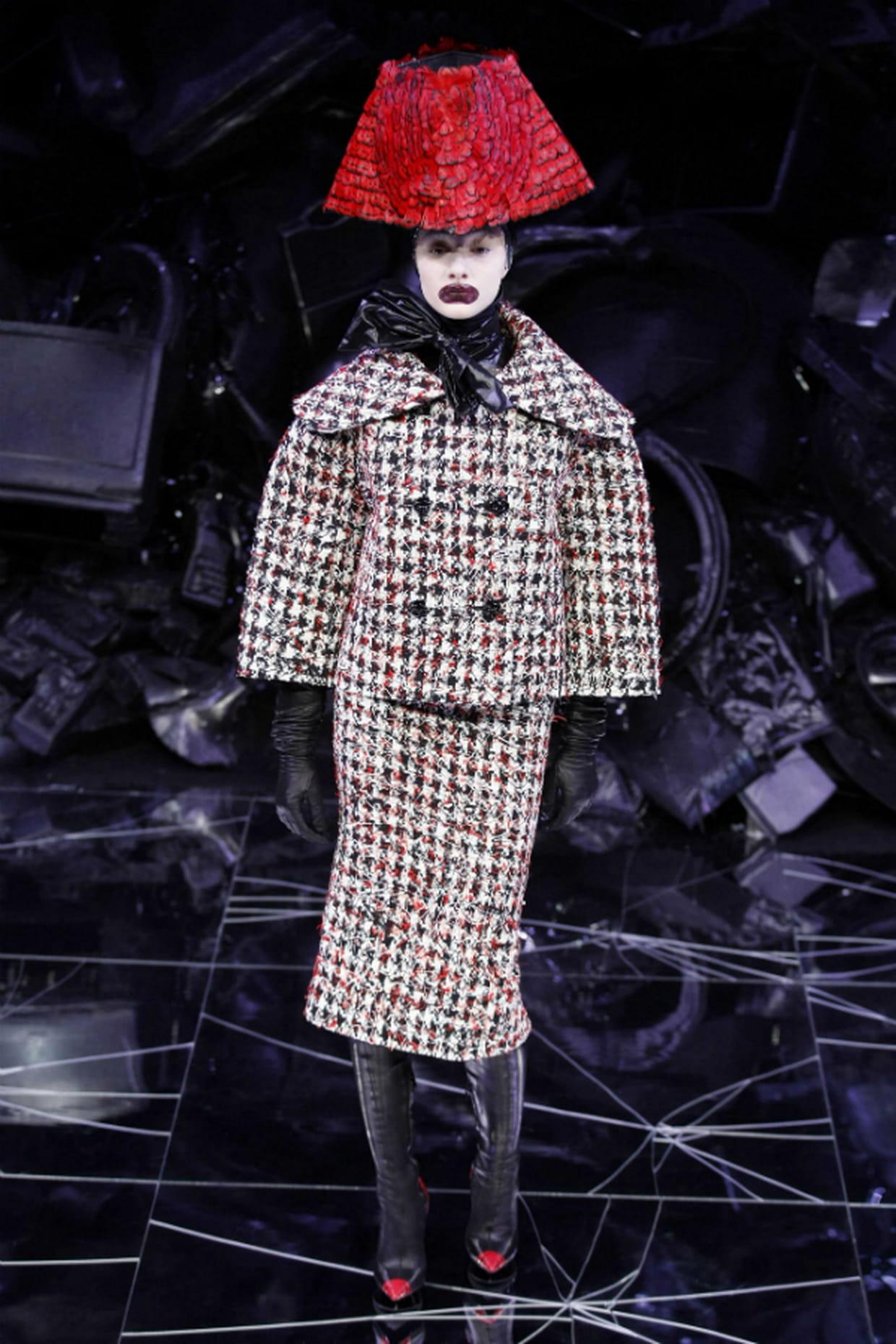 """Défilé Alexander McQueen """"The horn of plenty"""" automne-hiver 2009-2010"""