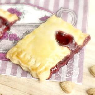 mini pop tarts à la confiture de cassis