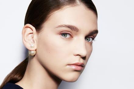 f81a9b22b737 Dior Tribales, les secrets de fabrication des boucles d oreilles iconiques  dévoilés