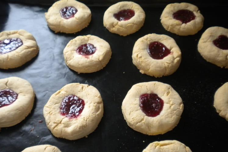 Biscuits sablé au coeur de confiture