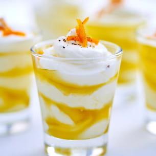 crème glacée au fromage blanc, huile d'olive et agrume confit