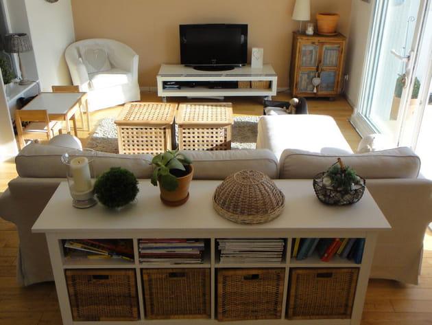 Avant : un salon couleur sable