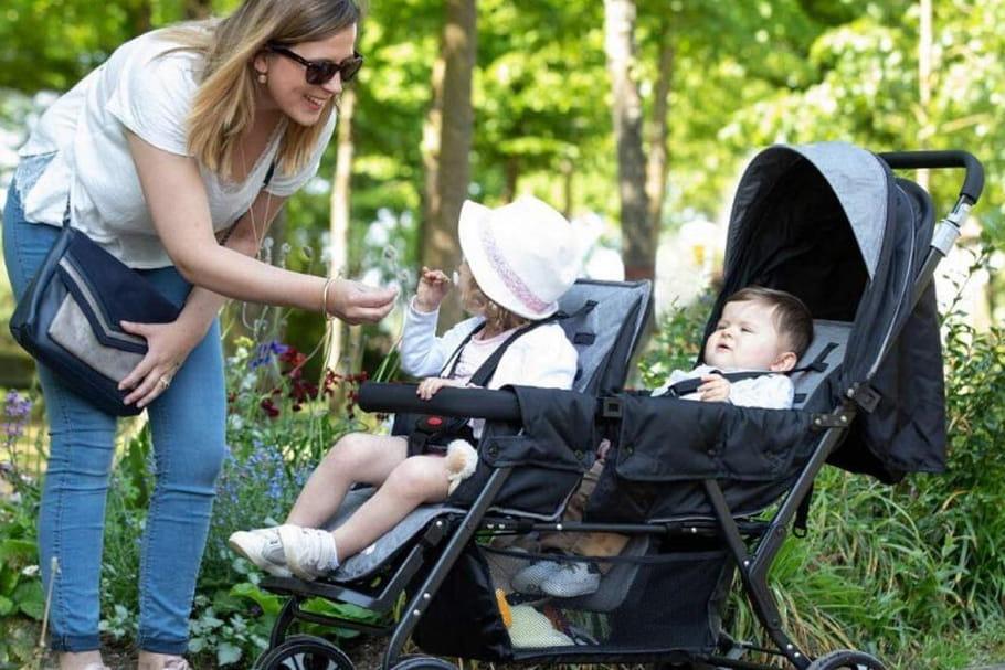 Meilleure poussette double: les modèles pour jumeaux ou bébés rapprochés