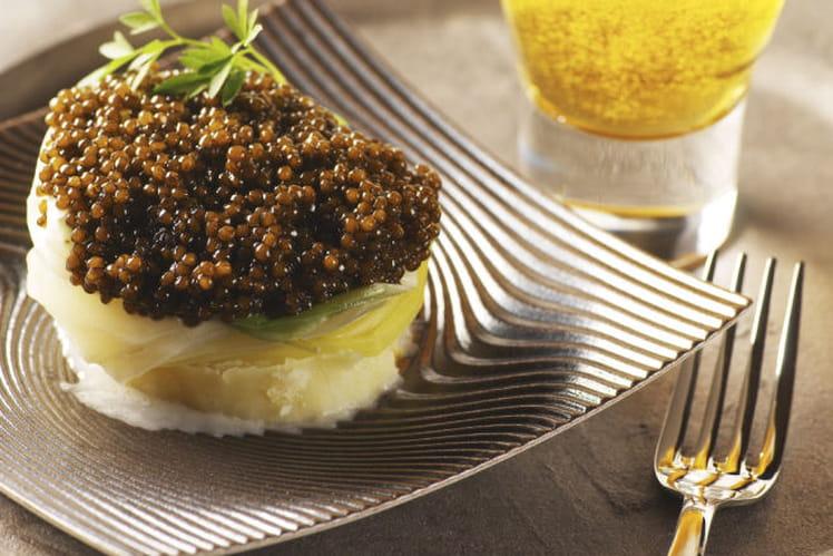 Bouchée poireau-pomme de terre au caviar, sauce crème et bière