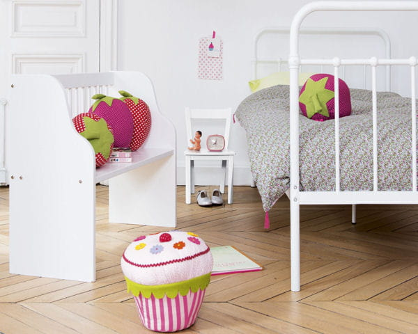 lit clara banc lola et coussin cupcake de fly. Black Bedroom Furniture Sets. Home Design Ideas