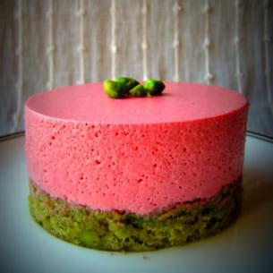 bavarois framboises, pistaches et thé vert matcha