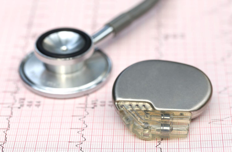Pacemaker (cœur): indications, opérations, risques