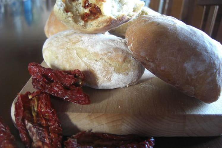 Petits pains aux tomates séchées et speck