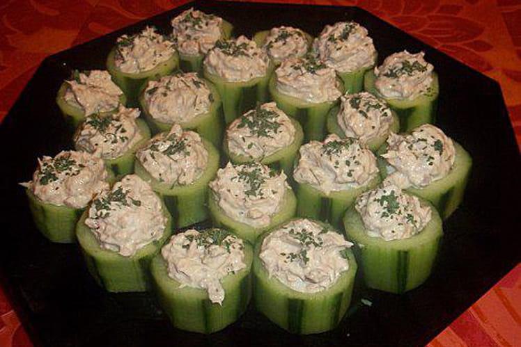 Canapé de concombre au thon