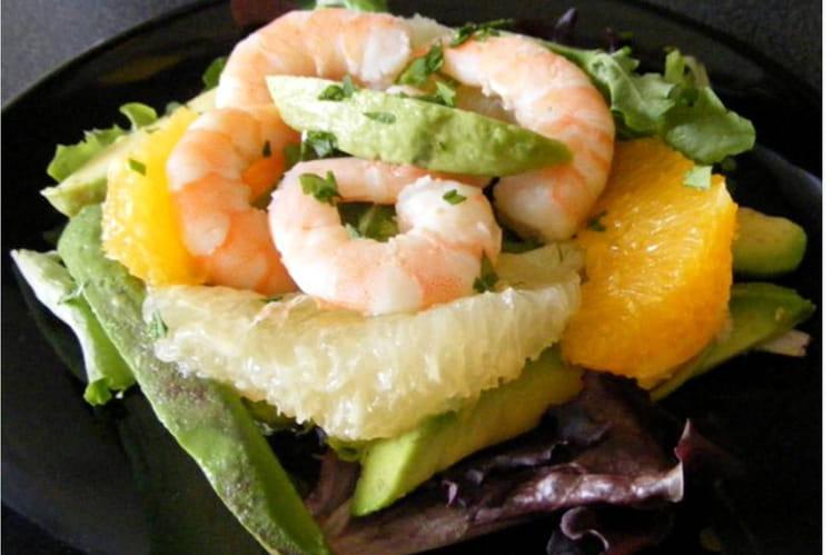 Salade de crevettes, avocat, mesclun et agrumes