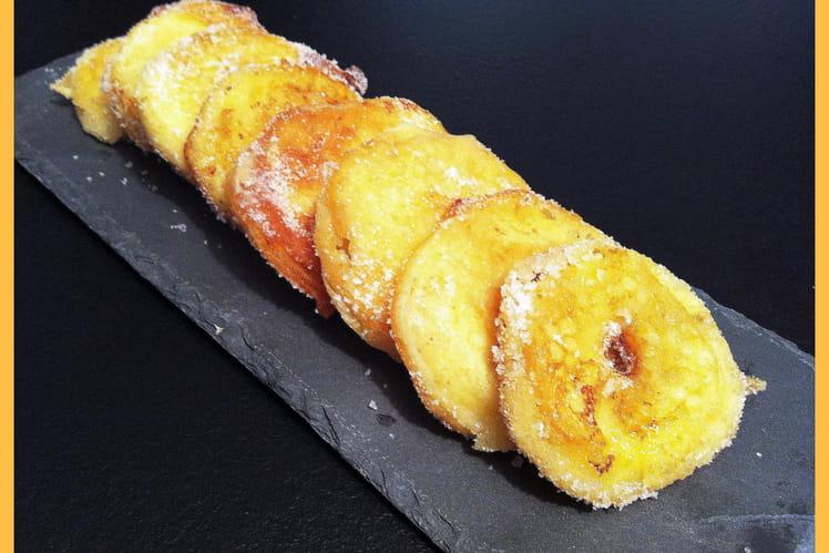 Beignets de pommes au rhum ambré et à la cannelle