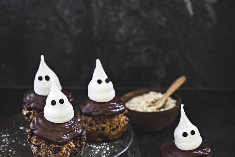 Muffins aux flocons d'avoine Bjorg, bananes, chocolat et meringues fantômes