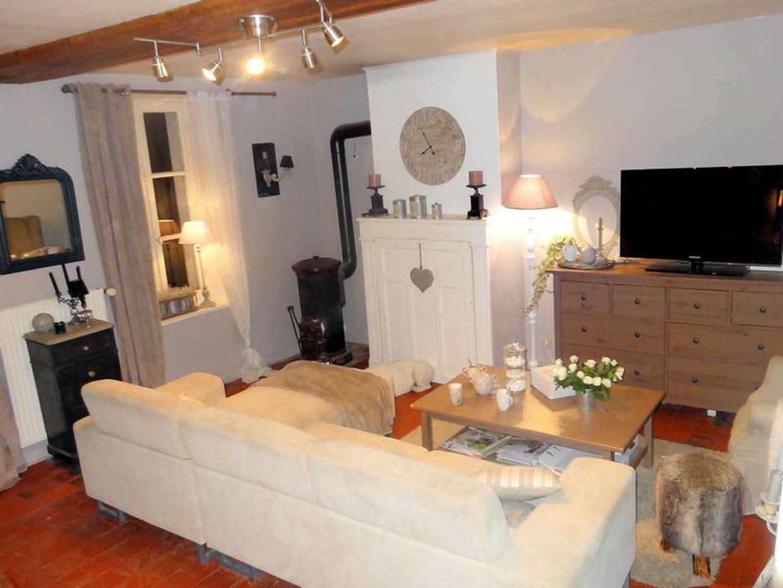 salon chaleureux. Black Bedroom Furniture Sets. Home Design Ideas